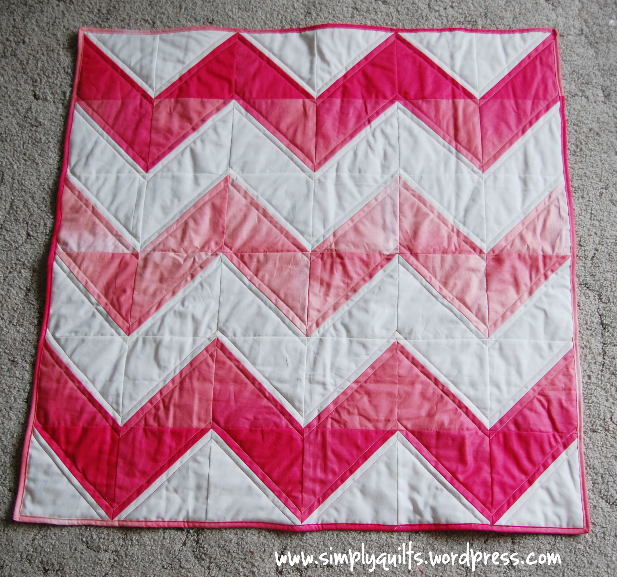 Quilting Designs For Chevron Quilts : Ombre Chevron Quilt Simply Quilts